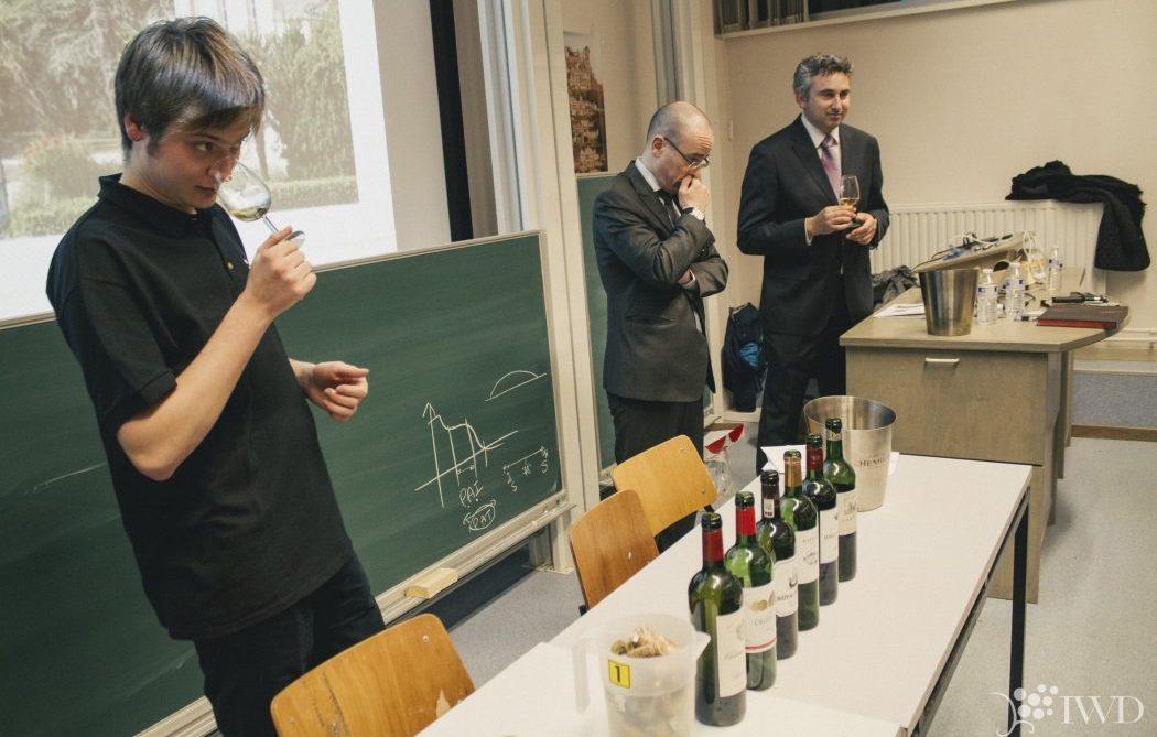 Cours d'oenologie sur l'olfaction et la rétro-olfaction du vin