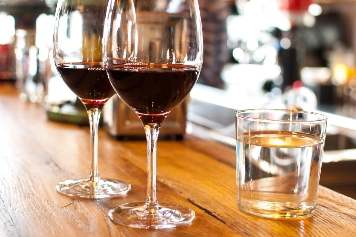 Alcool : pour consommer raisonnable, pas plus de dix verres par semaine